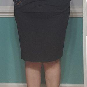 Black stretch skirt